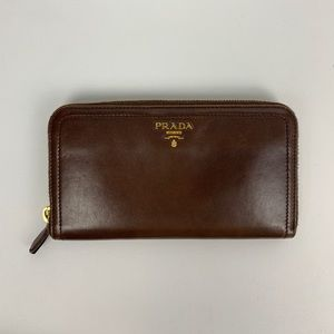 PRADA zip around soft calf wallet ! ✨